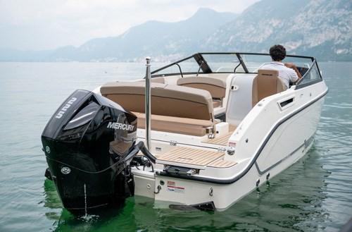 Activ 675 Cruiser спортивный катер с каютой