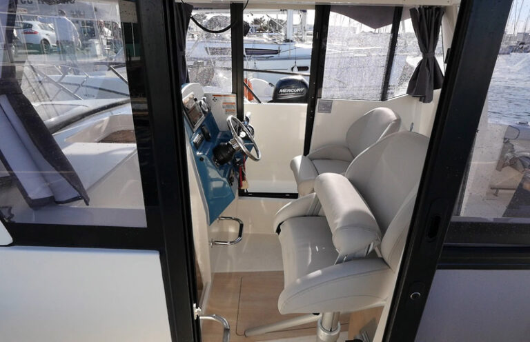805 Pilothouse